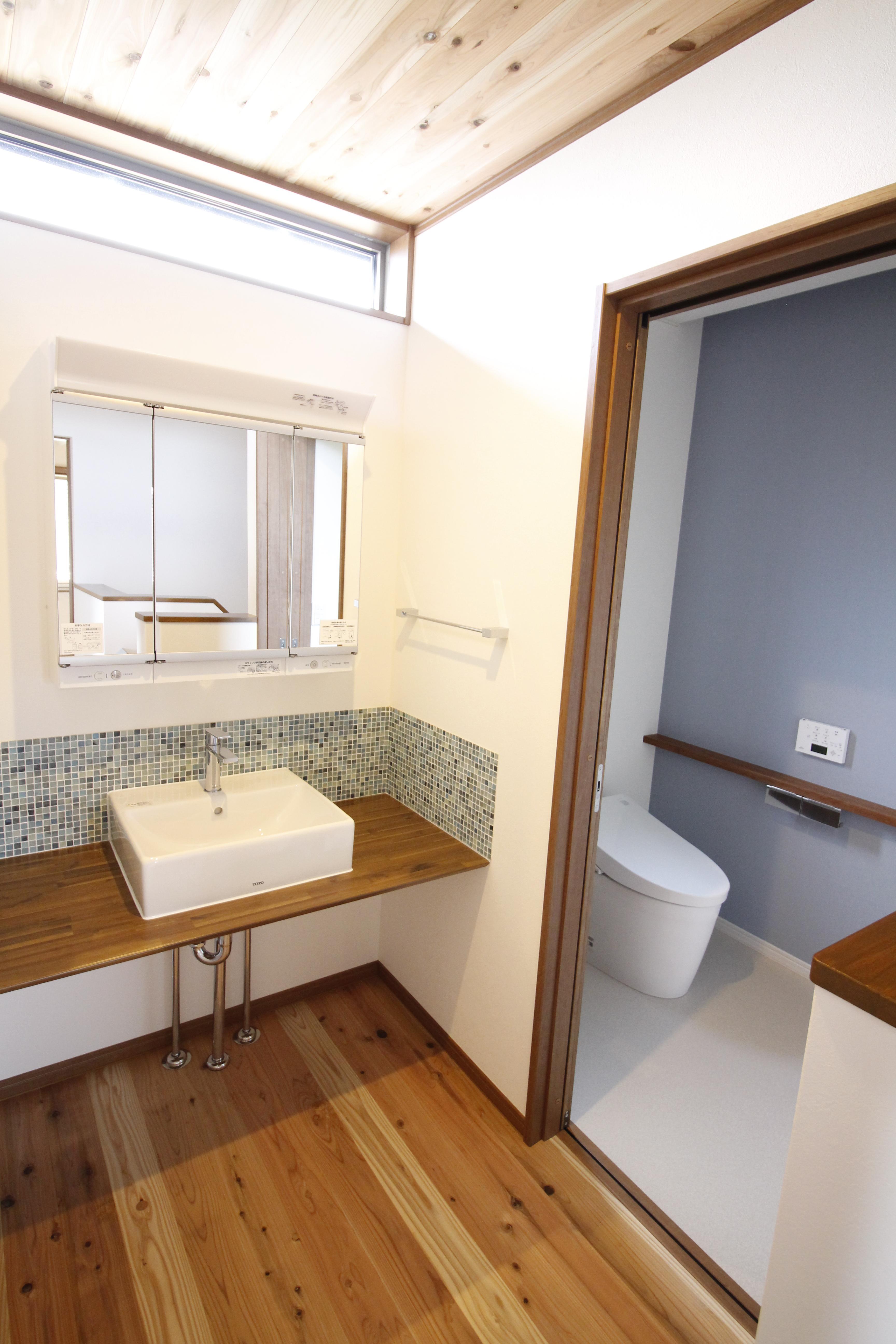 2階ホールに広い洗面スペース